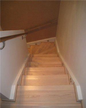 Как отделать бетонную лестницу