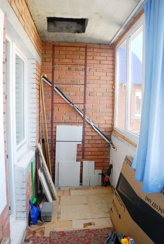 Пожарная лестница на балконе.