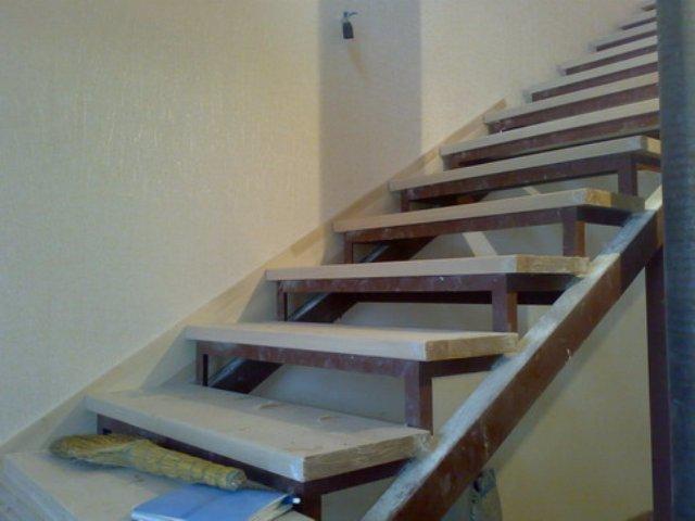 Отделка металлической лестницы: какую выбрать, как сделать