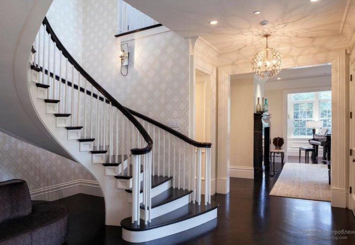 лестница фото в доме на второй этаж